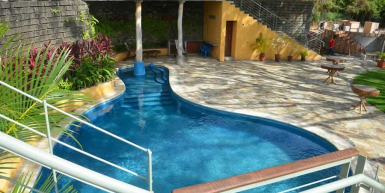 talanguera_townhomes_pool_grotto_east