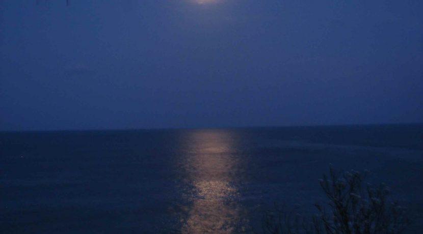 moonlight-over-casa