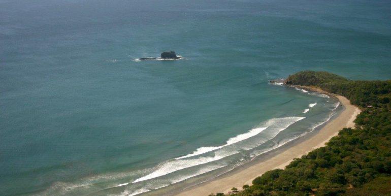 playa hermosa y peñones de las palomas 2